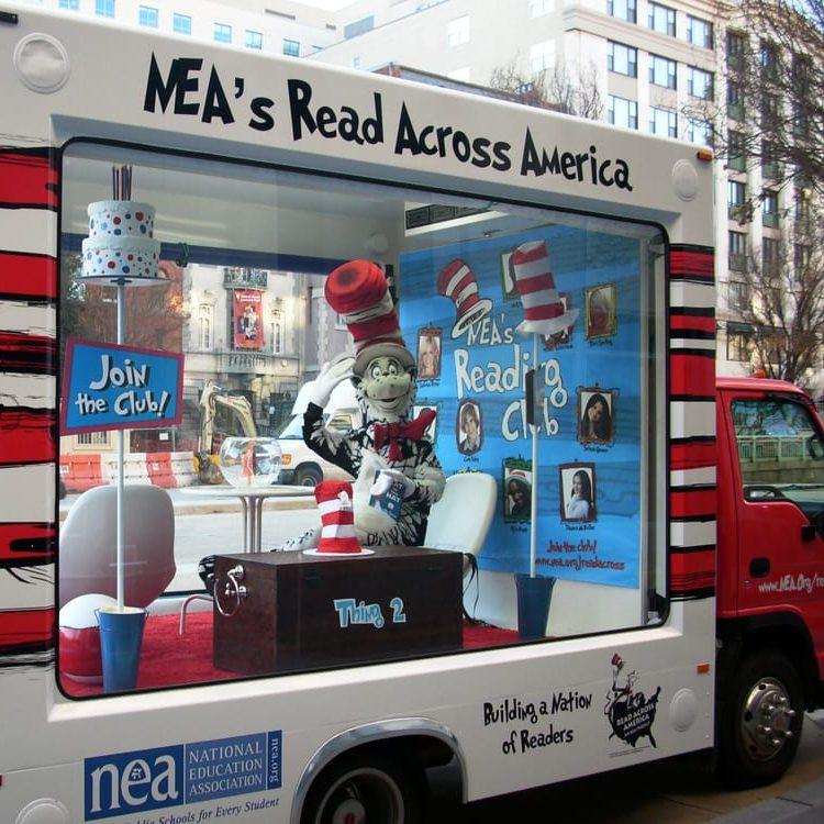 3D Mobile Advertising Billboards   Mobile Billboard Trucks and